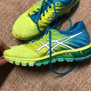 ASICS Tennis Shoes. Great gently used condition.